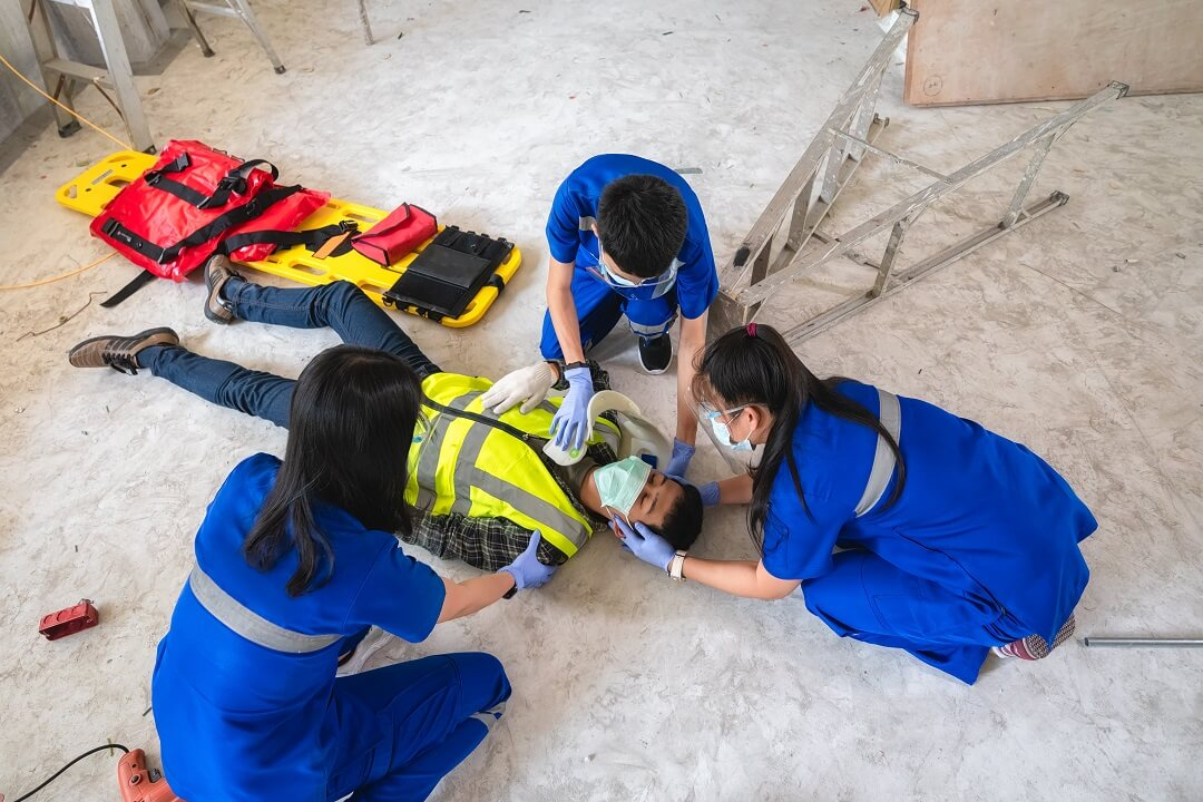 construction-accident-first-aid-head-injuries